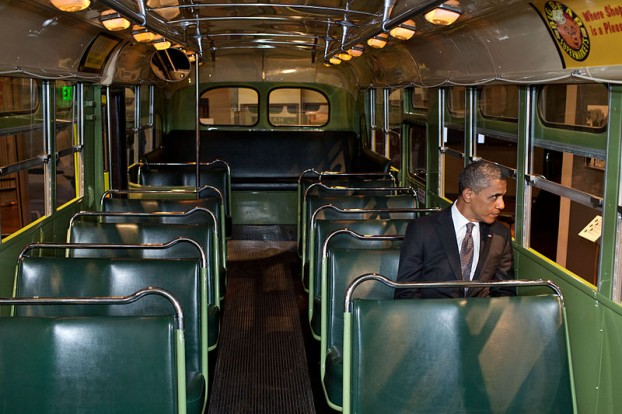 Barack_Obama_in_the_Rosa_Parks_bus