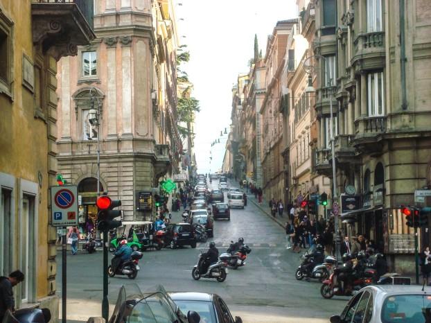 roma_piazza_barberini_meydani