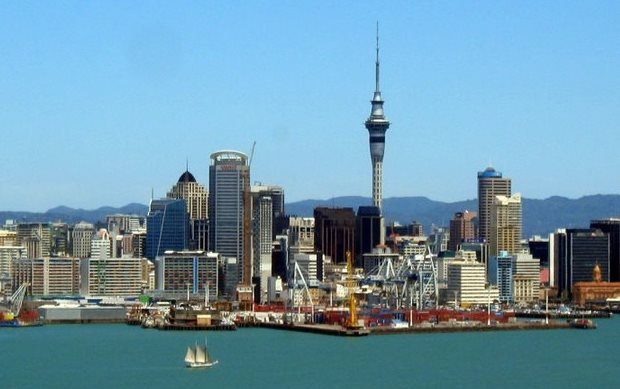 sky_tower_auckland_henrik_endahl_photography