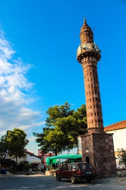 karaburun_kosedere_koyu_camisi_minare