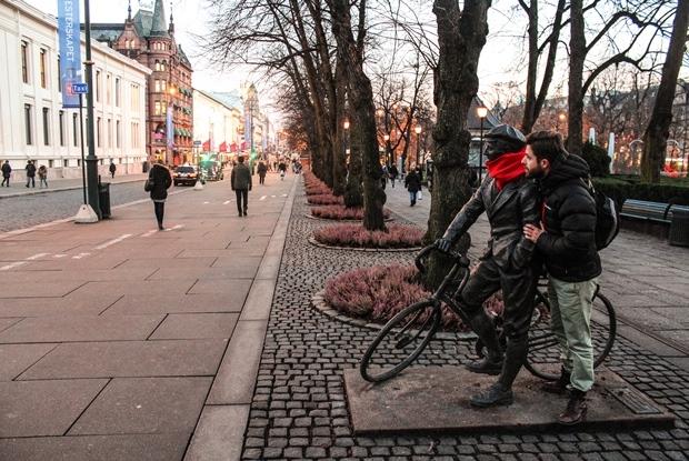 oslo_karl_johans_gate_heykel