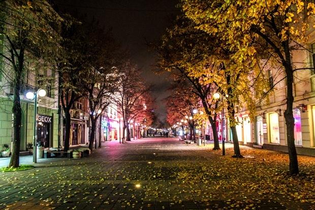 burgaz_aleksandrovska_caddesi_gece