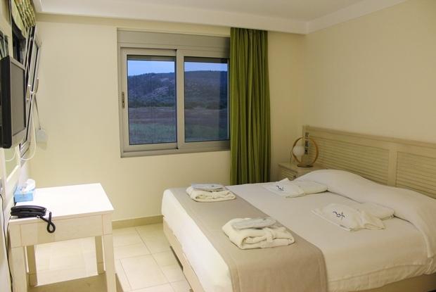 sakiz_adasi_almiriki_hotel