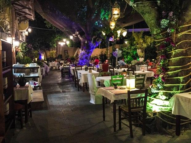 rodos-romios-restaurant