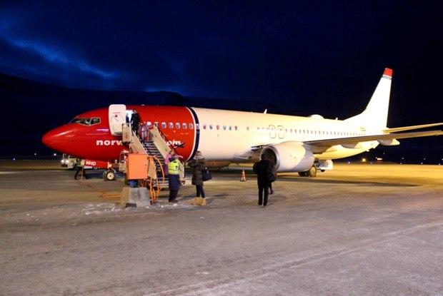 svalbard-havaalani-air-norwegian
