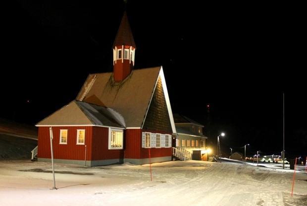 svalbard-kilisesi