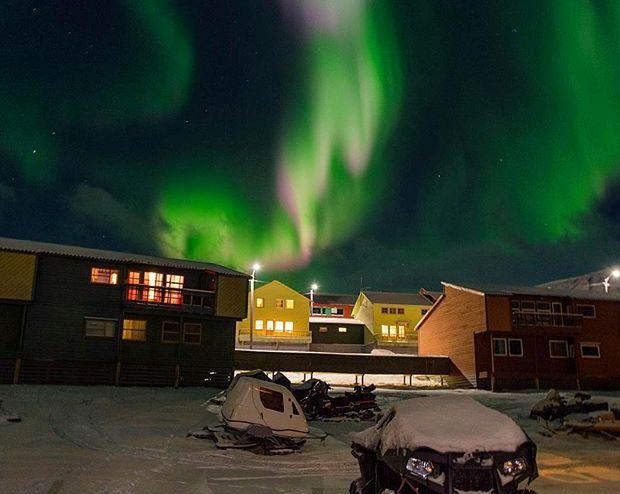 svalbard-kuzey-isiklari-cerberus001