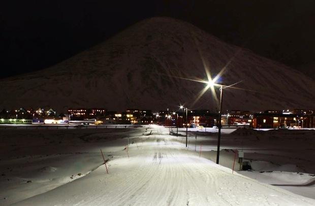 svalbard-longyearbyen-manzara