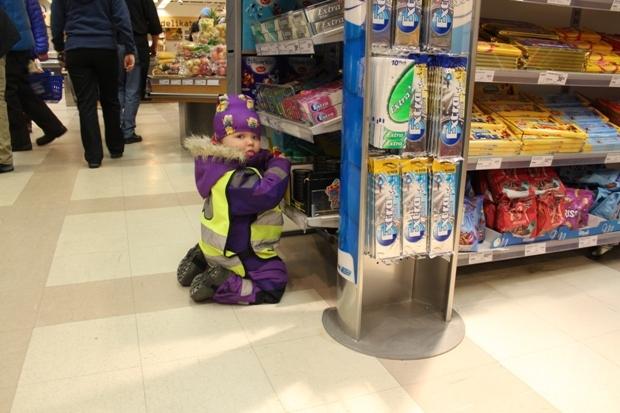 svalbard-supermarket-cocuk