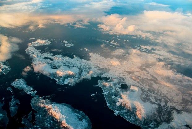 svalbard-ucak-manzara
