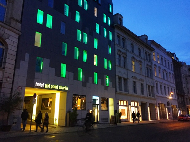 berlin-gat-point-charlie-hotel