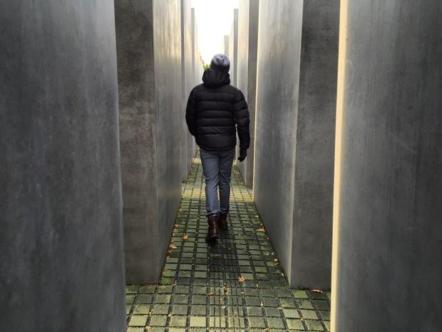 berlin-katledilen-avrupali-yahudiler-aniti-bloklar
