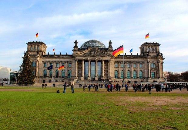 berlin-reichstag-binasi