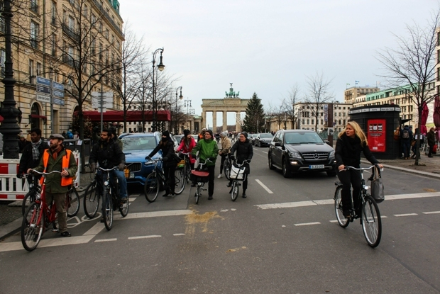 berlin-unter-den-linden-bisiklet