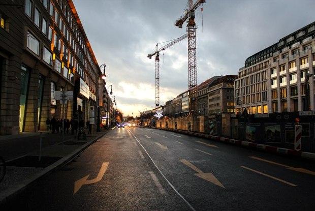berlin-unter-den-linden-gunbatimi