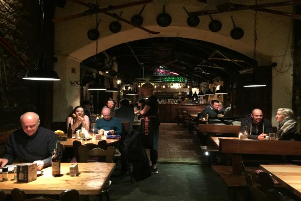 heidelberg-ortaçağ-restoran