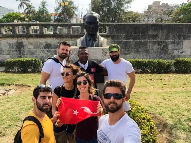 Küba Havana Atatürk Büstü
